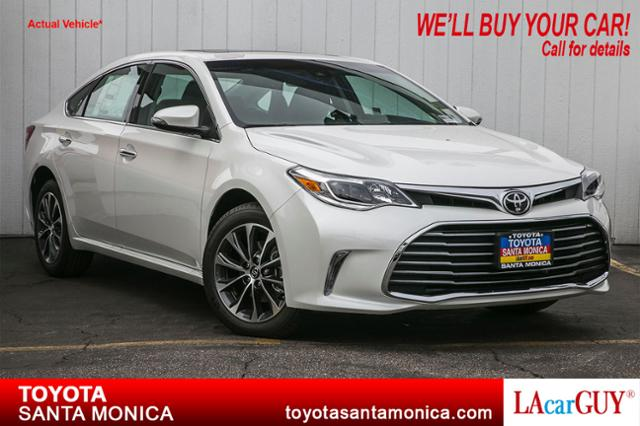 new 2017 toyota avalon xle plus 4dr car in santa monica. Black Bedroom Furniture Sets. Home Design Ideas
