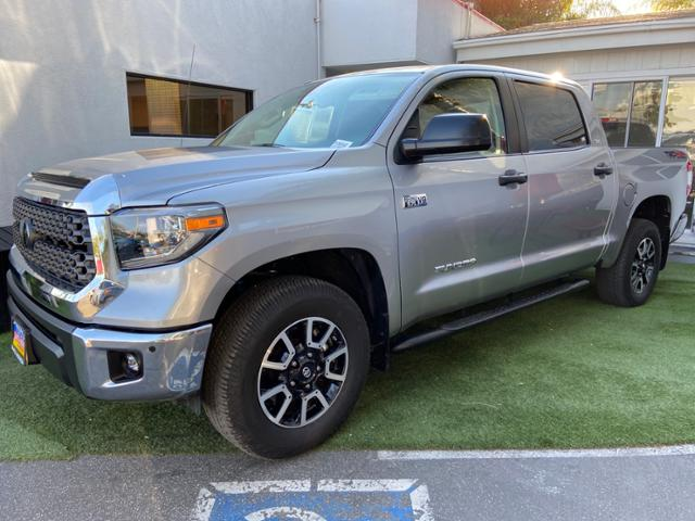 Certified Pre-Owned 2018 Toyota Tundra SR5 CrewMax 5.5' Bed 5.7L