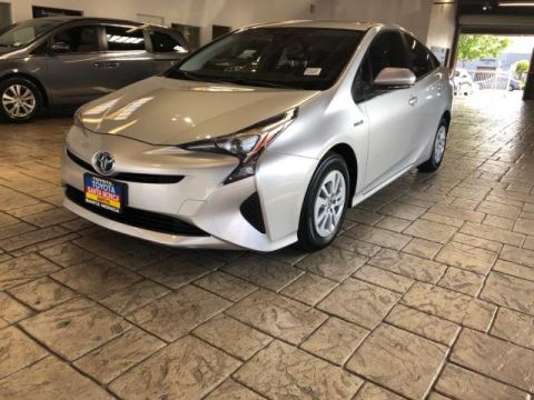 Pre-Owned 2016 Toyota Prius 5dr HB Two